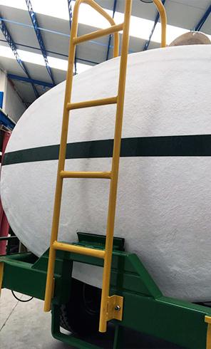 Cisternas de Riego escalera acceso